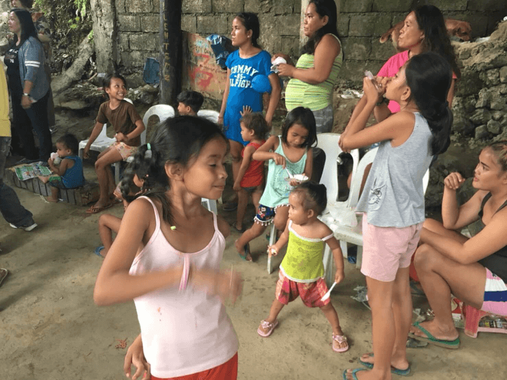 hoat-dong-tinh-nguyen-khi-du-hoc-philippines-5